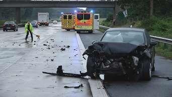 Schwerer Autounfall A13 Berliner Ring