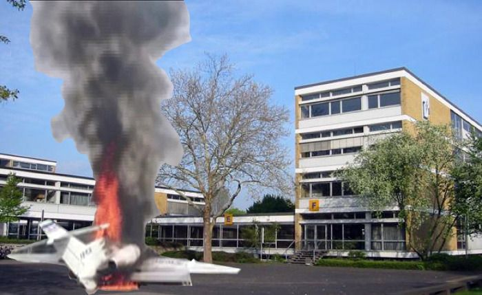 Flugzeugabsturz in Bonner Berufskolleg 69 Tote 2 Verletze Personen