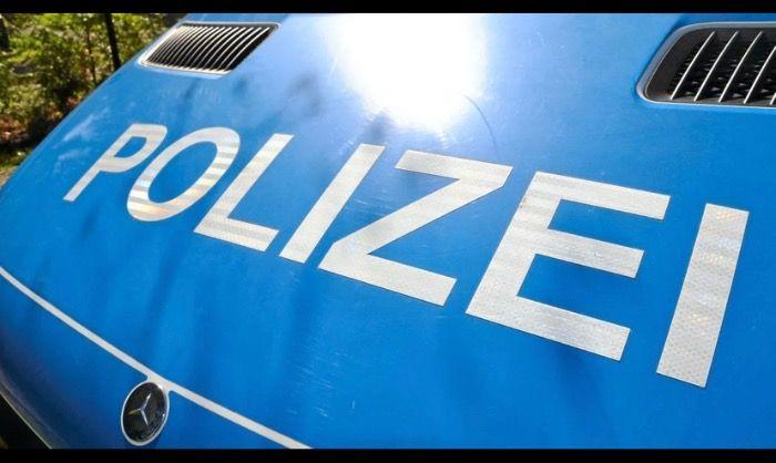 UNFALLFLUCHT IN BERLIN PRENZLAUERBERG - Zeugen gesucht